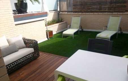 Dise o de jardiner a en ticos y terrazas - Diseno terrazas aticos ...