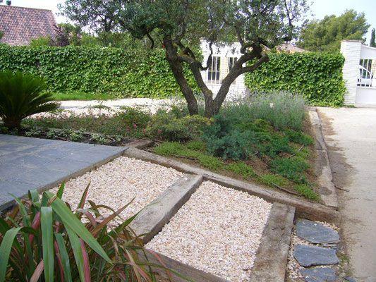 Jardin mediterraneo jardineros zaragoza for Diseno jardin mediterraneo